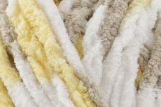 Bernat Baby Blanket - Chicks & Bunnies (04328) - 300g