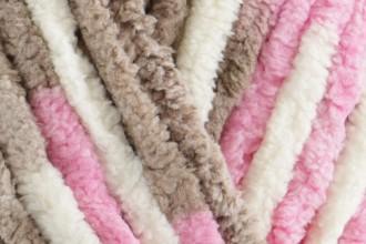 Bernat Baby Blanket - Little Roses (04418) - 300g
