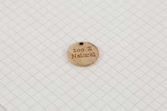 """""""100% Natural"""" Wooden Button Tag, Natural, 18mm"""