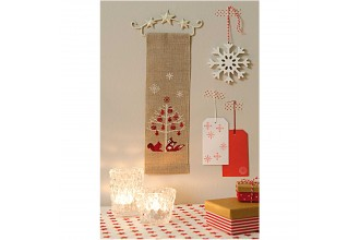 Rico - Christmas Fir with Animals Hanging Decoration (Cross Stitch Kit)