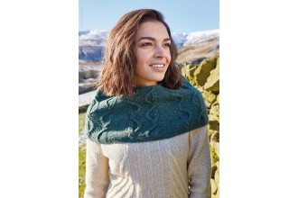 Rowan - Around Holme - Mabgate Capelet in Cashmere Tweed (downloadable PDF)