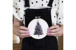 Xmas Tree on Oatmeal Fabric (Embroidery Kit)