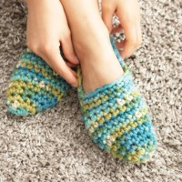 Bernat - Quickie Slippers in Softee Chunky (downloadable PDF)
