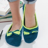 Caron - Bow Tie Slippers in Simply Soft (downloadable PDF)