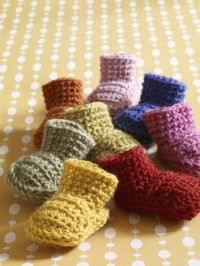 Lion Brand Easy Booties in Vanna's Choice (downloadable PDF)
