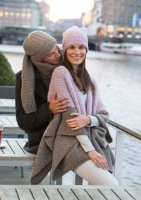 Patons - Mens Hat & Scarf in Dream Light (downloadable PDF)