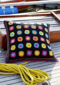 Schachenmayr - Black Granny Square Pillows in Catania (downloadable PDF)
