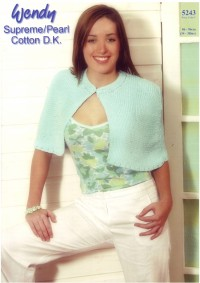 Wendy 5243 Ladies Cape in DK (leaflet)