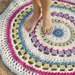 Free Pattern! 'Colour Wheel' Crocheted Rug in Drops Eskimo