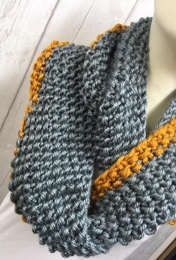 Free Pattern! Moss Stitch Cowl knitted in Cygnet Seriously Chunky Metallics