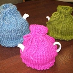 Free Pattern! 'Easy Teasy' Tea Cosy knitted in Cygnet Seriously Chunky