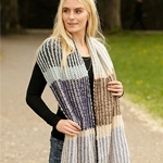Free Pattern! Urban Autumn Scarf knitted in Drops Air